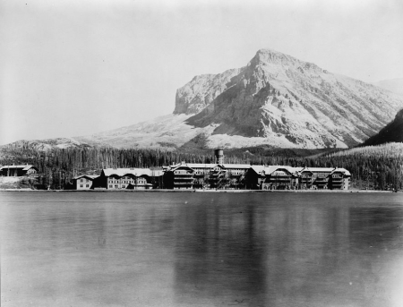 Many Glacier Hotel historic